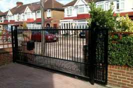 electric sliding driveway gate